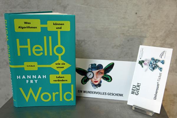 """Buch """"Hello World"""" und Tageskarte Erwachsene"""