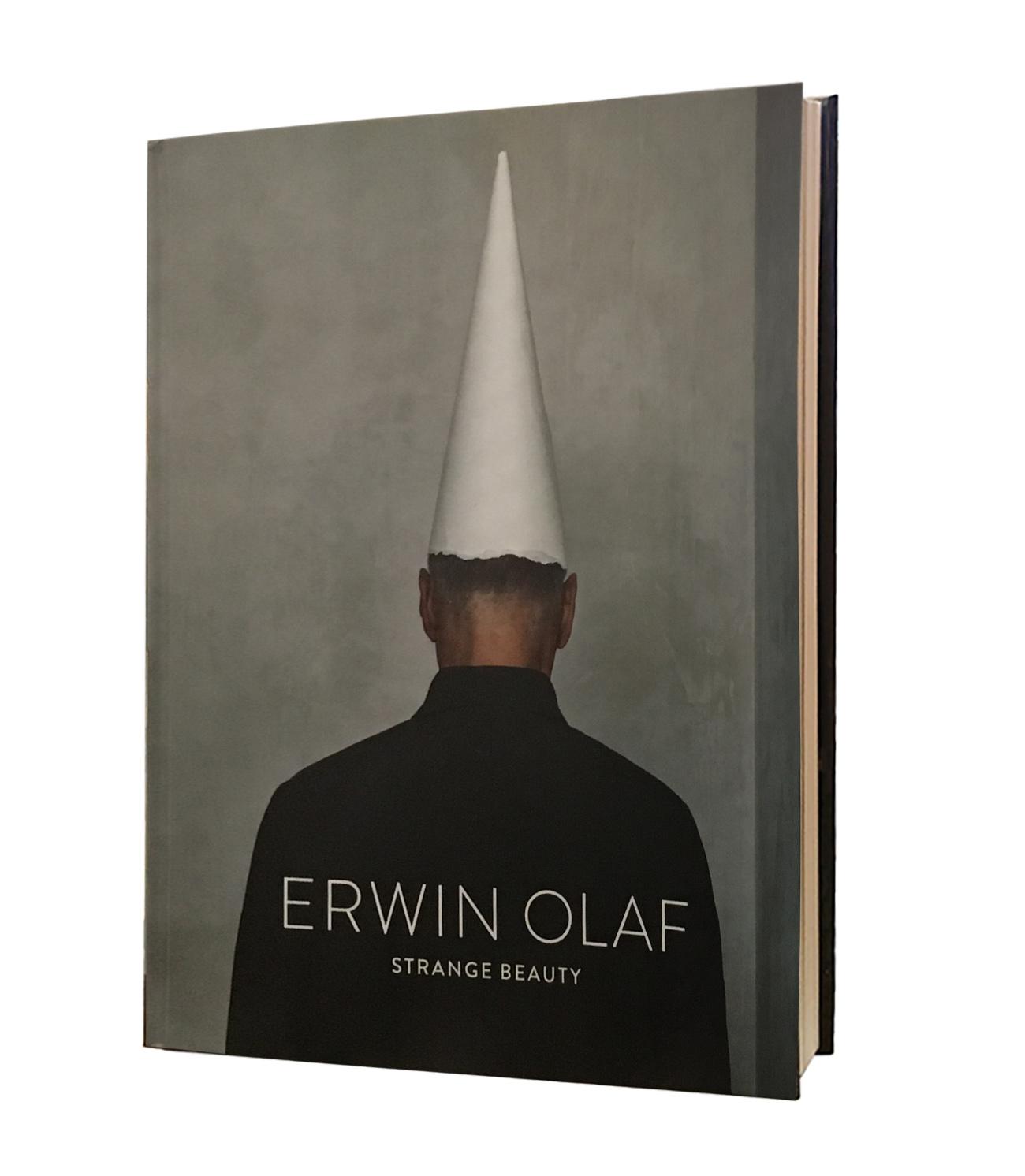 Katalog Erwin Olaf (Englisch)
