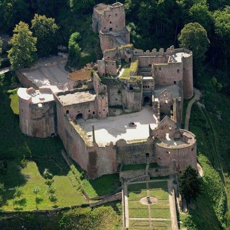 Schloss und Festungsruine Hardenburg