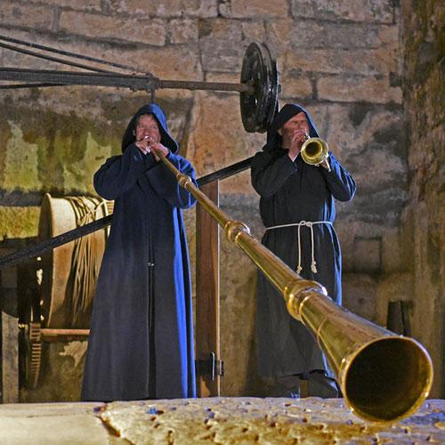 Geheimnisvoll-musikalischer Festungsrundgang
